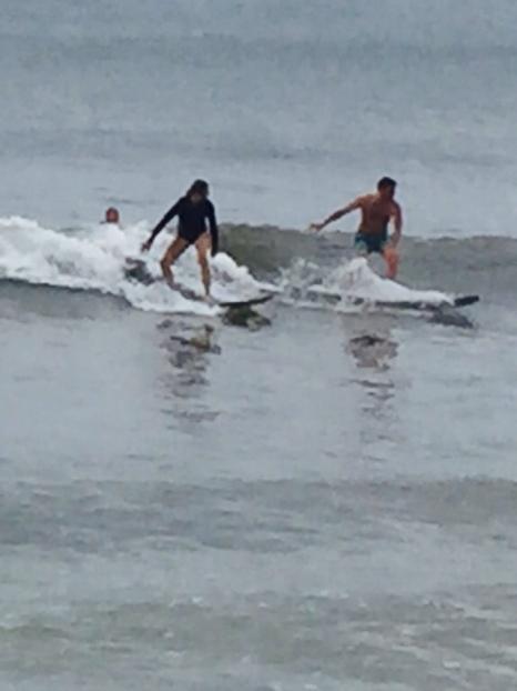 Pia mit Charlotte im Bauch und Erk auf einer Wellenlänge